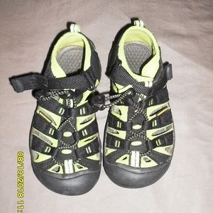 KIds Keen Shoes Size 12